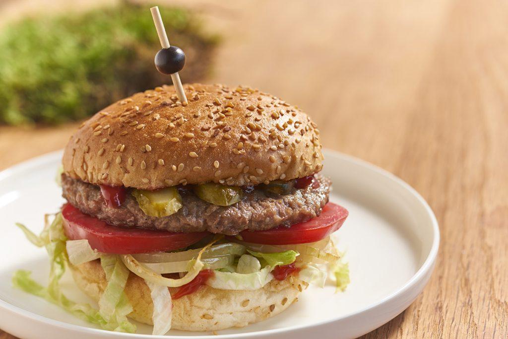 Klassieke hamburger gemaakt van Zweeds kwaliteitsvlees
