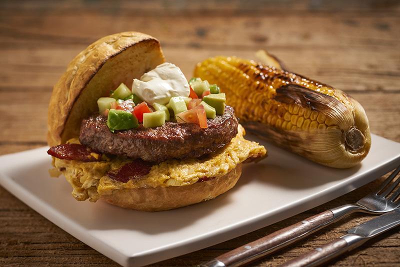 Een heerlijke hamburger om uitgebreid van te genieten
